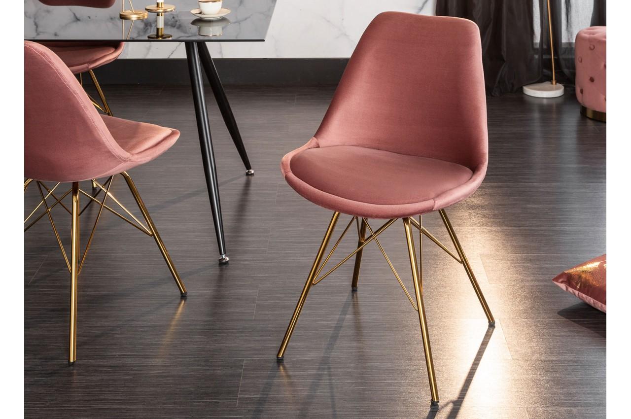 Chaise velours rose pieds métal doré pour salle à manger