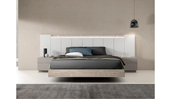 Lit contemporain avec chevets & tête de lit à lumineuse