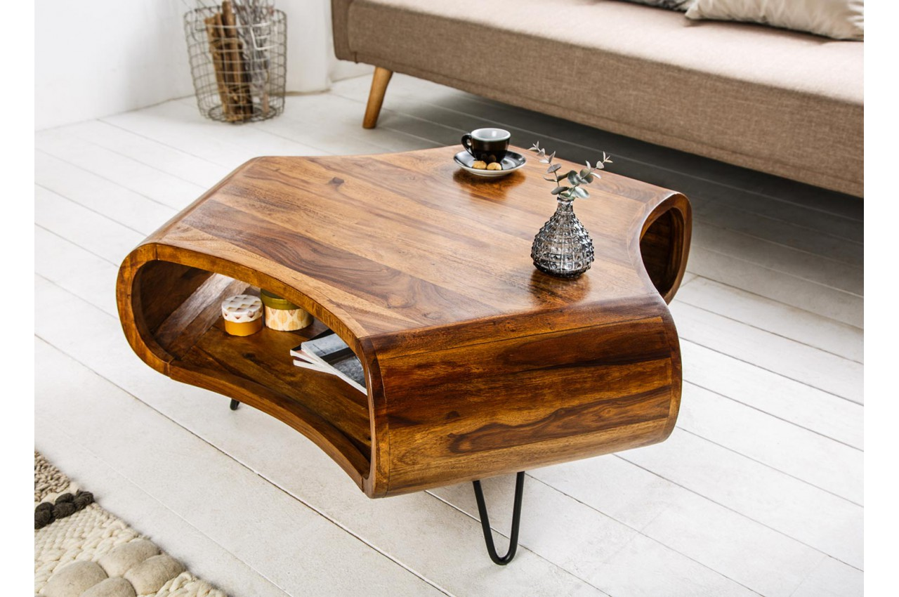 table basse design en bois massif verni pour salon. Black Bedroom Furniture Sets. Home Design Ideas