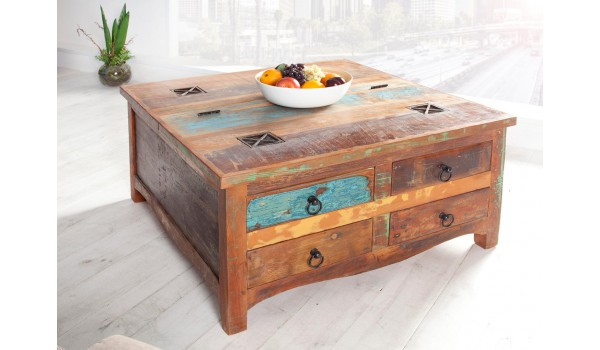 Table basse industrielle en bois recyclé
