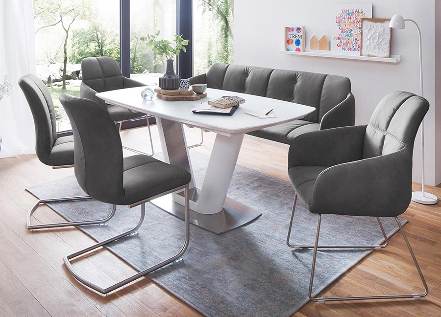 Chaise avec accoudoir capitonn e grise simili cuir pour - Table de salle a manger avec chaises ...